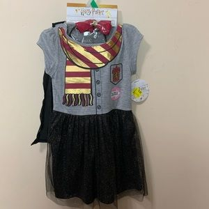 Girls 5T Harry Potter dress with cape black & gold